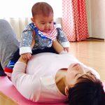 産後の肩こりは赤ちゃんの抱っこや授乳のせい?