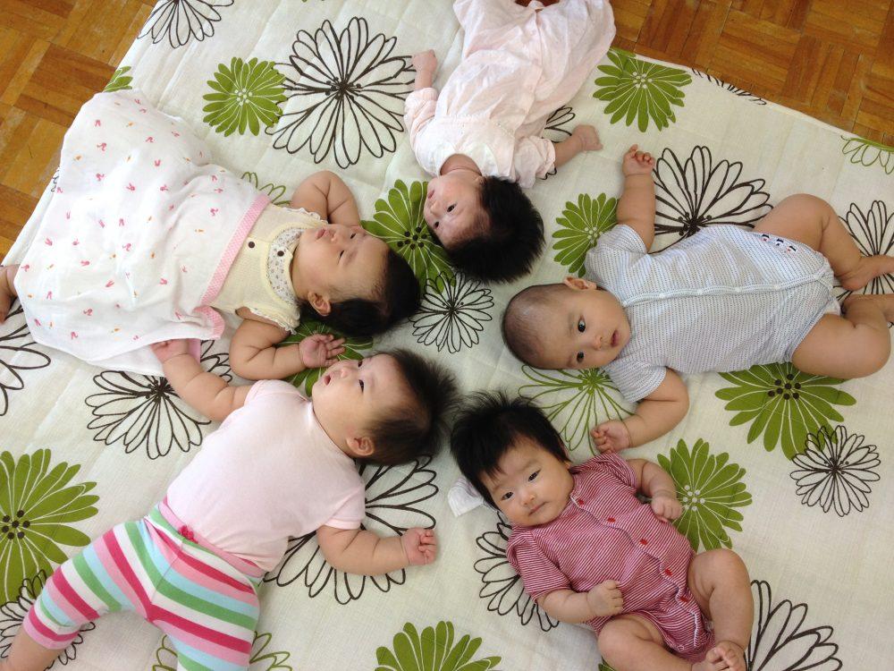 産後6ヶ月以内のママと赤ちゃん限定!長岡「私の休日」で産後ママのバランスボール講座